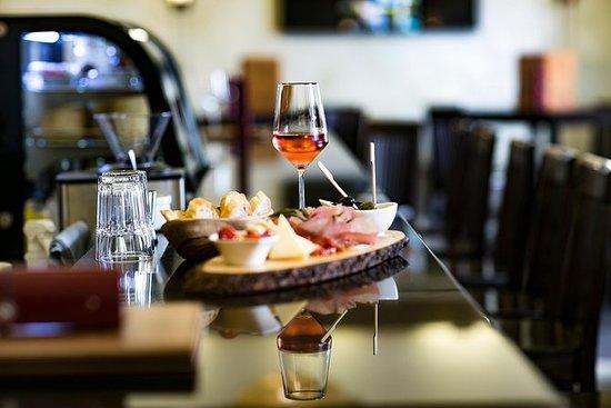 Weinprobe im historischen Zentrum von...