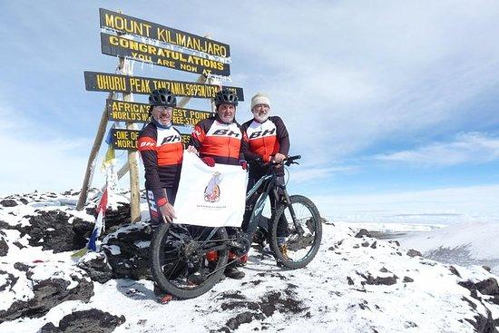 8 dias de viagem de bicicleta ao topo...