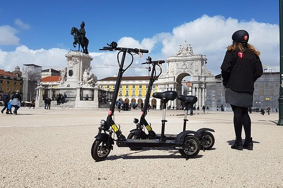 Mouraria Tour by E-Scooter in Lisbon