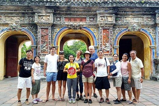 フエインペリアルシティウォーキングツアー:Nguyen Emperorsにつ…