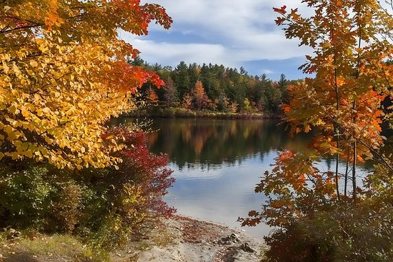 Fall foliage tour in New Hampshire