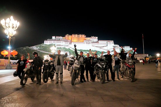 Dali, Kina: Overland Motorbike Tour From Munich to Lhasa
