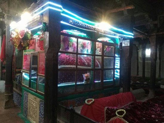 Bahawalpur, Pakistan: Jalaluddin Surkh-Posh Bukhari