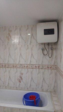 Jessore, Bangladesch: Geyser at bathroom