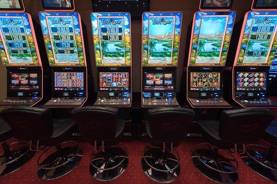 Арена казино скрипт кости казино