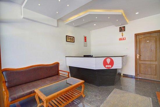 OYO 11396 Hotel Cyprus Inn