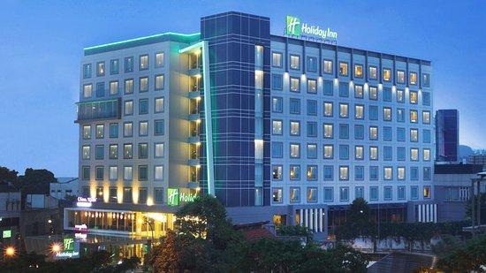 Holiday Inn Bandung Pasteur -...
