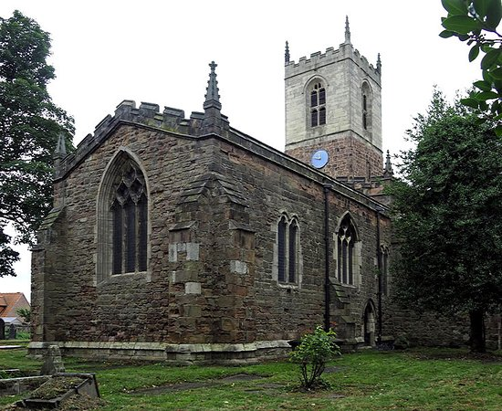 Rotherham, UK: St Helen's Church, TreetonChancel