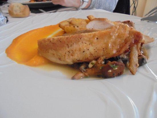 Coulanges-la-Vineuse, Γαλλία: fricassée de volaille pour le menu gourmet(enfant)