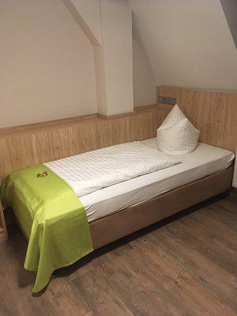 Berching, Německo: The bed
