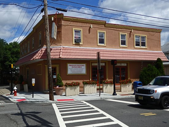 Lincoln Park, NJ: 202 Italian Bistro