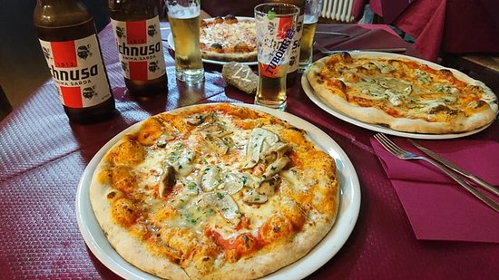 Pomaretto, Ý: Pizza con porcini nostrani