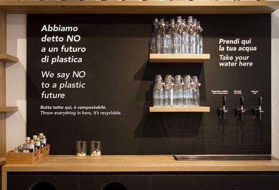 Province of Brescia, Italie : Plastic Free - Bottega Portici - Franciacorta