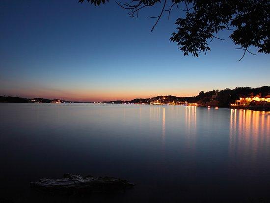 Lake Ozark, MO: Enjoy a Lake of the Ozarks Sunset
