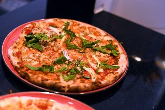 Temara, Marokko: De nos fours à votre table, vos plats sont concoctés et préparés avec amour et délicatesse.