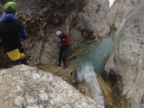 Les Roques Natura: Descenso en rapel en el barranco de Canaletes
