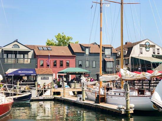 Middletown, RI: Summer Downtown Newport