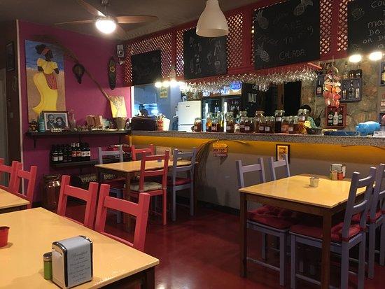 Bahceli, Cipro: Inside dining - also alfresco dining