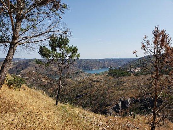 Penedo Furado: A view of Lago Azul to which Penedo Furada is a tributary