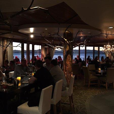 Six Seven Restaurant: photo1.jpg