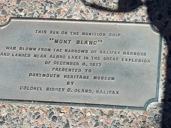 Дартмут, Канада: Site of Mont Blanc cannon in Dartmouth, NS
