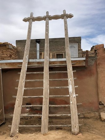 Pueblo of Acoma, Νέο Μεξικό: ladder to an outer, upper level