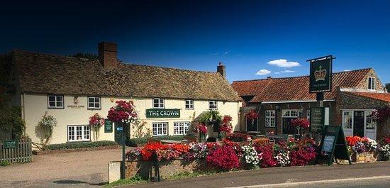 Gayton, UK: 800 year old country inn