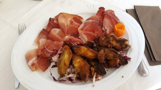 Malonno, Italy: Cappelle di porcino e speck