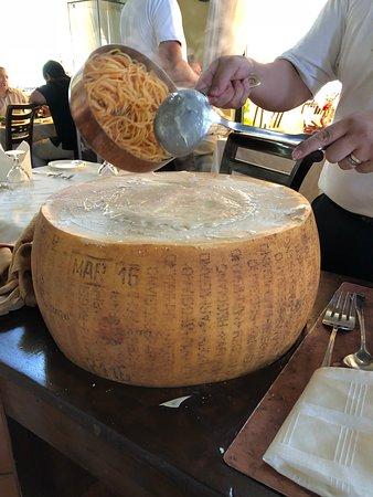 Espaguetis al formagio