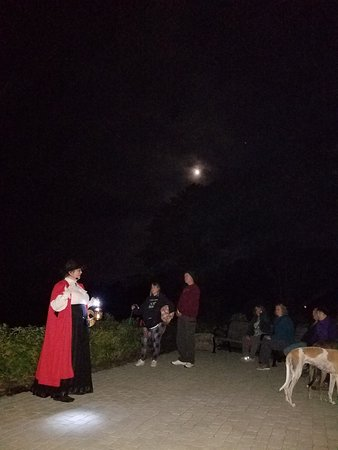 Red Cloak Haunted History Tours: Bar Harbor tour