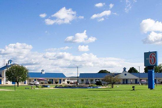 Motel 6 Harrisonburg - South: exterior