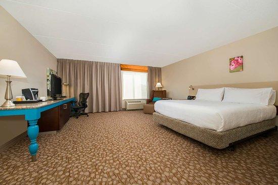 Hilton Garden Inn Charlottesville 129 ̶1̶5̶8̶