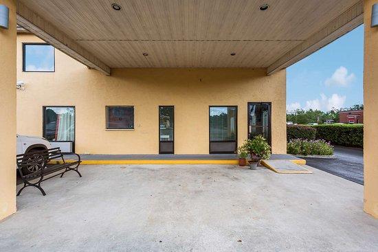 Macclenny, FL: exterior