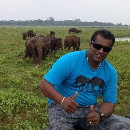 Weligama, Sri Lanka: Pradeep Tours