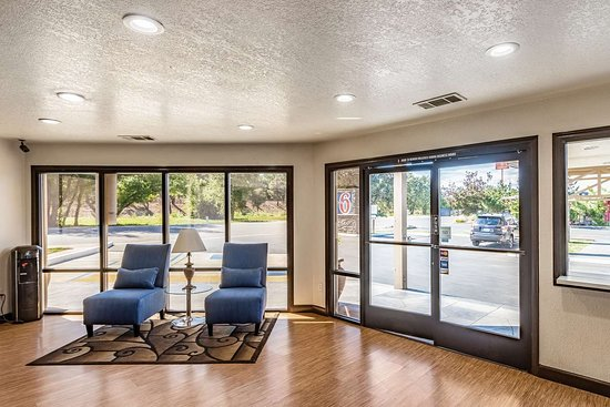 Motel 6 Anderson- Redding Airport: lobby