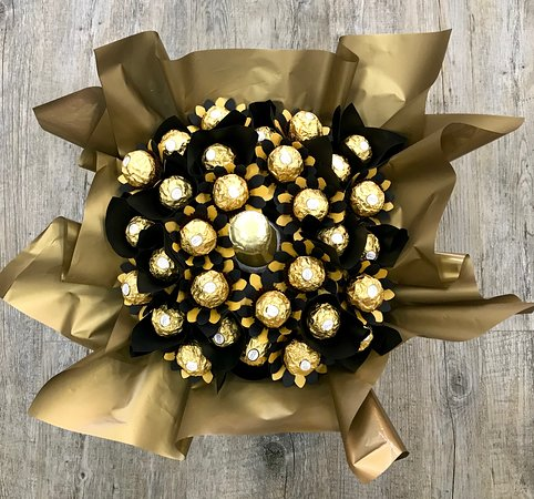 Ipswich, Australia: Ferrero Rocher & Bubbles gift available from Limestone Emporium