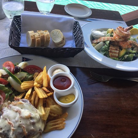 Falmouth, Antigua: Great food and Atmosphere