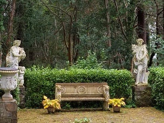 Glenveagh Castle: Tuscan Garden