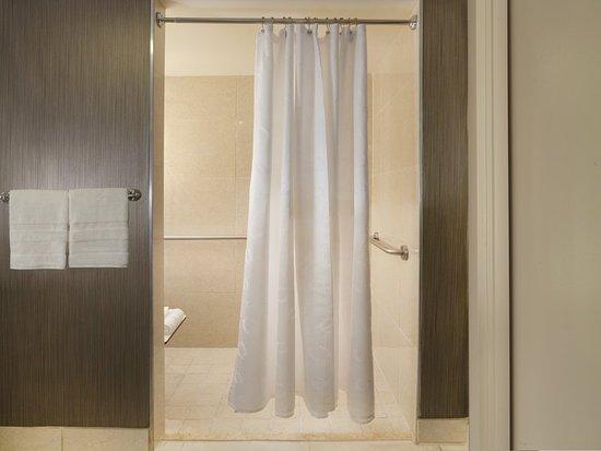 شيراتون دفو إيربورت هوتل: Guest room amenity