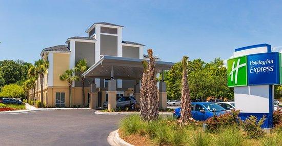 Holiday Inn Express Charleston Hotel