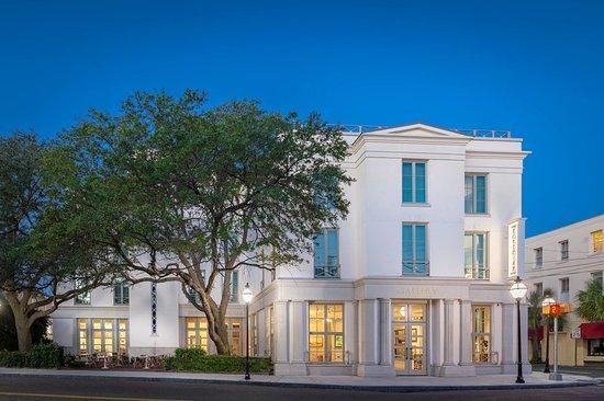 Hotel Near The Grand Bohemian Charleston