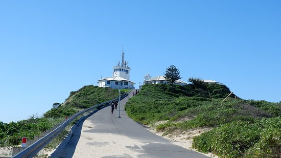 Novotel Newcastle Beach: Nobby's head lighthouse
