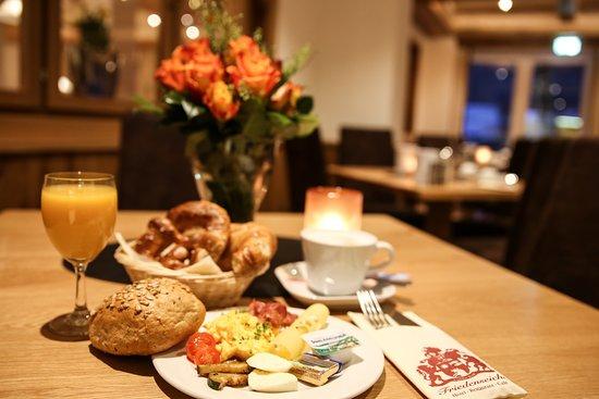 Benediktbeuern, Jerman: Frühstück