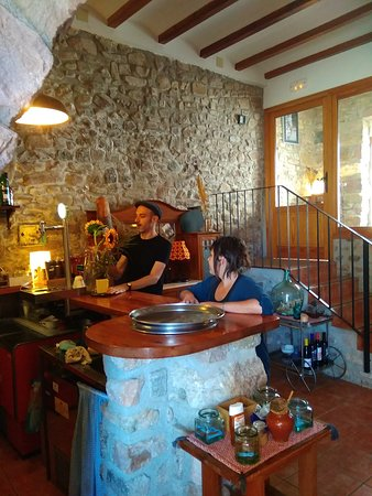 Ain, Espanha: Ami los lugares con buena comida.. buenas personas y el mejor entorno.