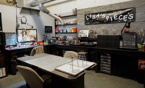 บาตาเวีย, อิลลินอยส์: One of 26 artists studios.