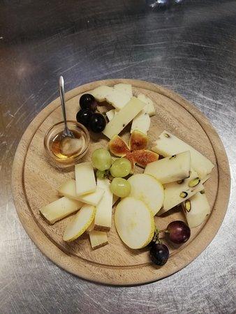 Giuncugnano, Itália: Tagliere di formaggi
