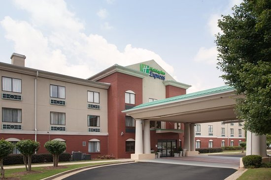 Holiday Inn Express Hotel & Suites Buford
