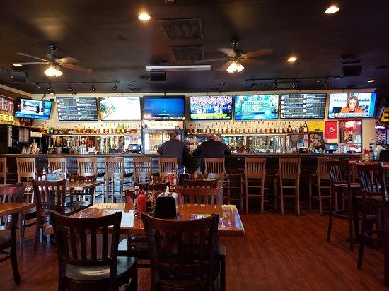 Bully's Pub
