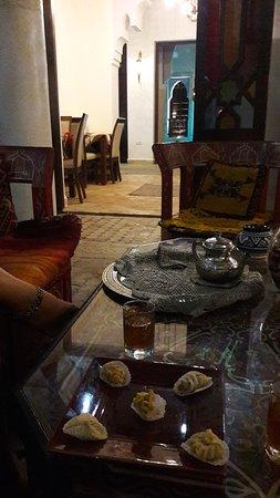 Riad Tamarrakecht: Té y dulces árabes de bienvenida