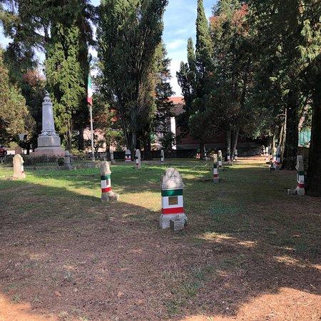 Cittiglio, Italy: Monumento ai Caduti